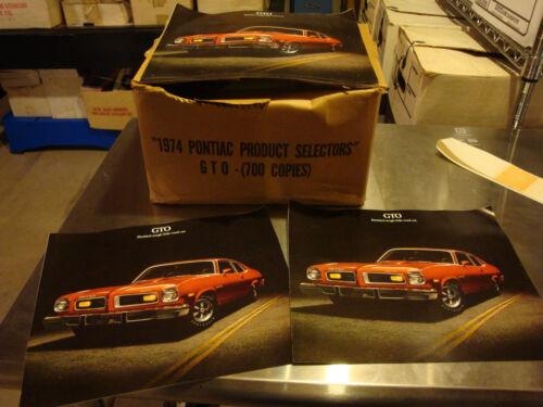 fresh from box!-qty 2 Pontiac GTO 1974 dealer sales brochure-N.O.S