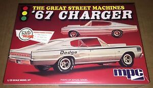 MPC-1967-Dodge-Charger-Great-Street-Machines-1-25-model-kit-new-829