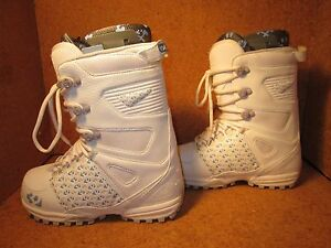32-Womens-Lashed-Snowboard-Boots-White-Grey-Blue-Various-Sizes-6-6-5-7-5-8