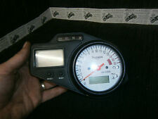 TRIUMPH TT600 tt 600 2000 SPEEDO CLOCKS REV COUNTER 28,741miles