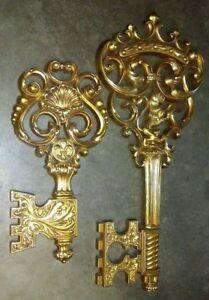 Vintage-LARGE-Syroco-Gold-Tone-Ornate-Lion-Keys-Wall-Hanging-Planter-18-034-12-034