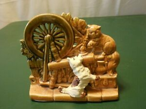 Vintage-McCoy-USA-Pottery-Planter-Cat-Dog-Spinning-Wheel