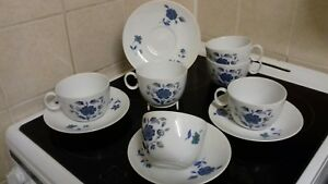 Royal-Worcester-Alhambra-10-piece-tea-set-RARE