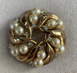 Vintage Trifari Faux Pearl Gold Tone Brooch