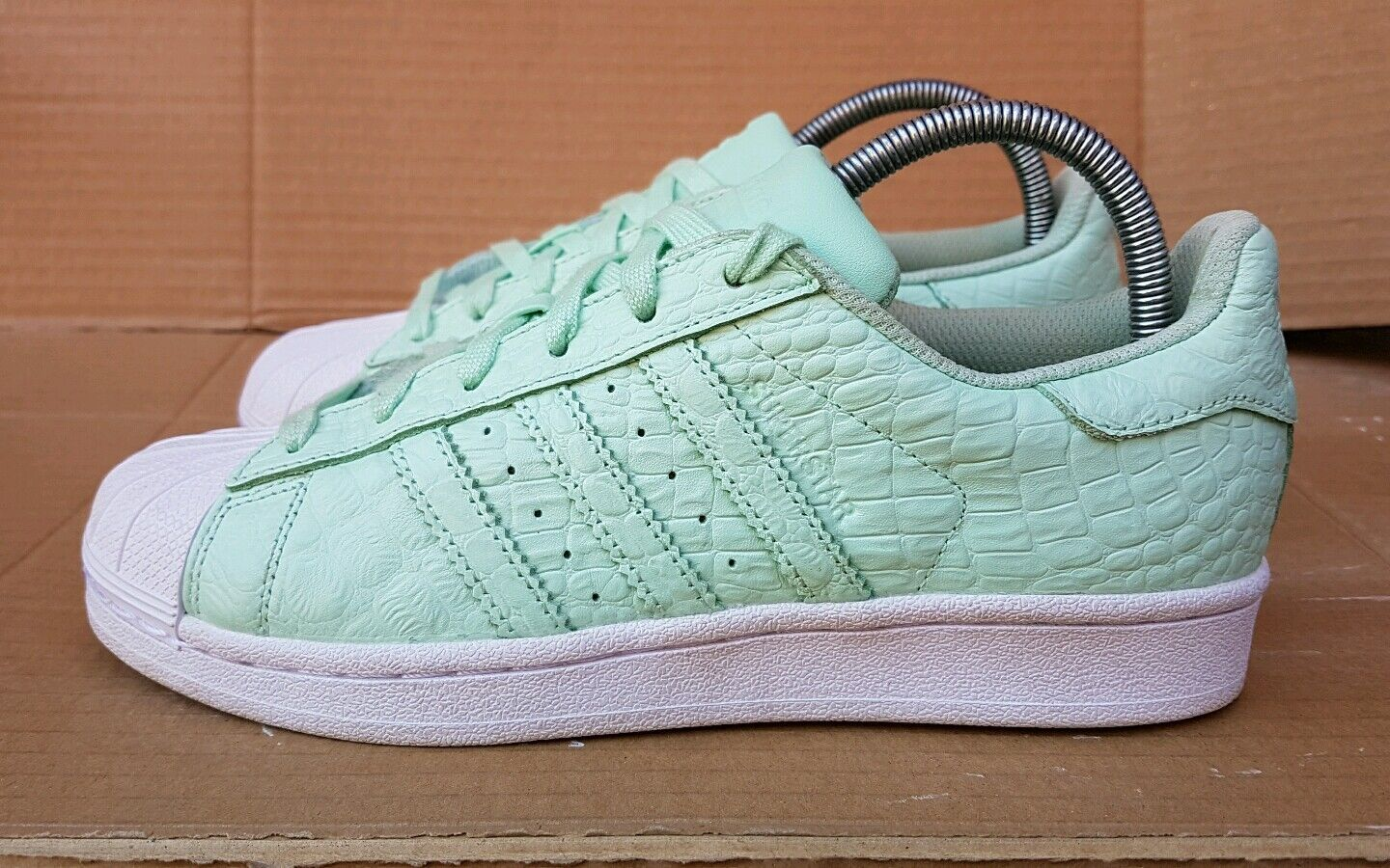 ADIDAS SUPERSTAR TRAINERS SIZE 5 UK GORGEOUS MINT GREEN REPTILE SKIN GORGEOUS UK COLOUR f306e0
