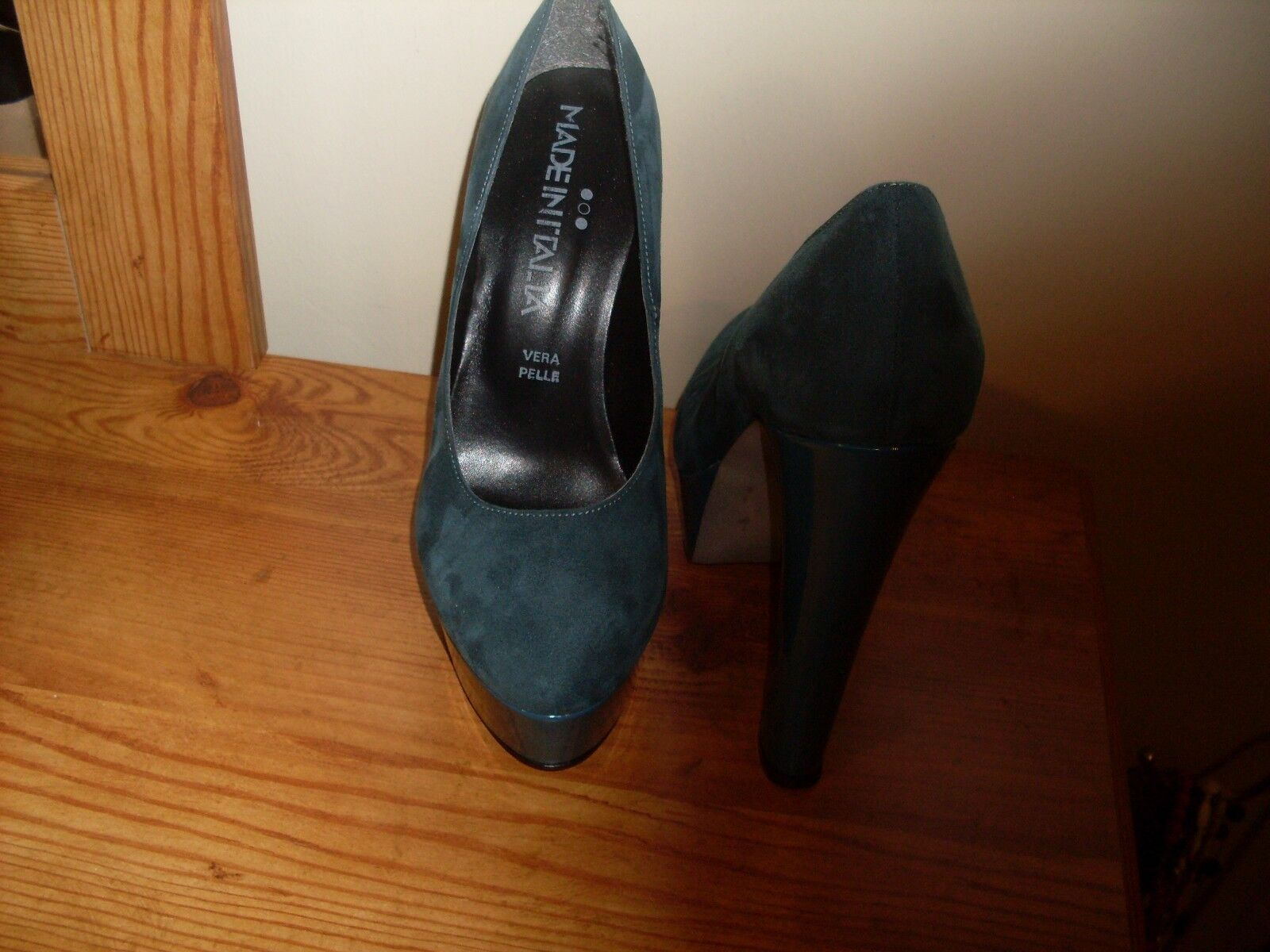 Made Made Made in Italia Platform Pumps green Suede & Patent  Size 37 us 6.5 new 80e064