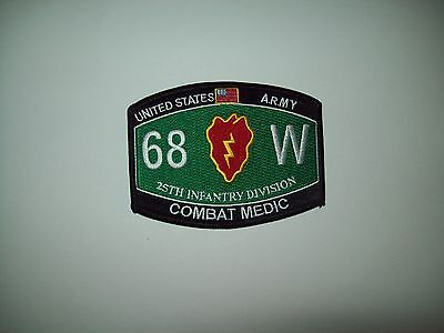 US ARMY 25TH INFANTRY DIVISION COMBAT MEDIC - 68 W