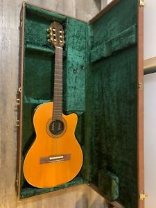 Vintage-1982-Gibson-Chet-Atkins-Guitar-CE-Electric-Classical-Guitar