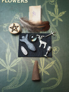 Pocket-Wiccan-Altar-Set-chalice-athame-wand-pentagram-goddess-god-BOS