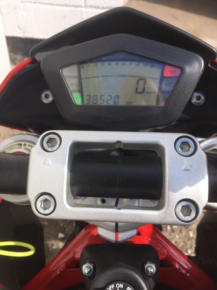 Ducati, Hypermotard, 1100 ccm