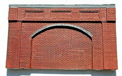 Delizioso 5 X Detailed Model Railway Brown Retaining Wall For Ho/ Oo Plaster New 07 L'Ultima Moda