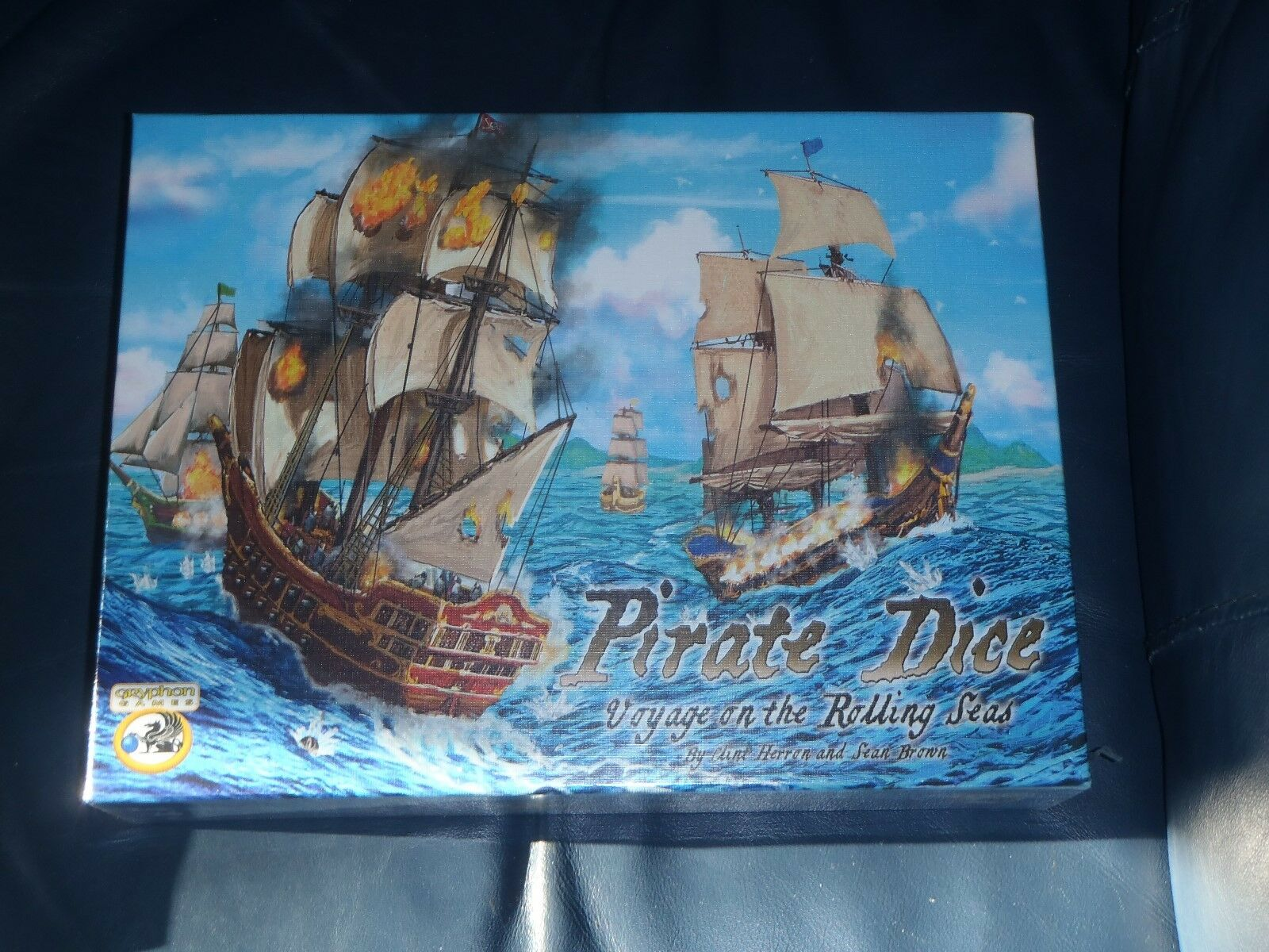 Gryphon Gryphon Gryphon PIRATE DICE Voyage On The Rolling Seas board game    NEW + SEALED  8cf3cc