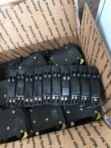 SQD CIRCUIT BREAKER QOT1515 Twin USED GOOD CONDITION LOT 10