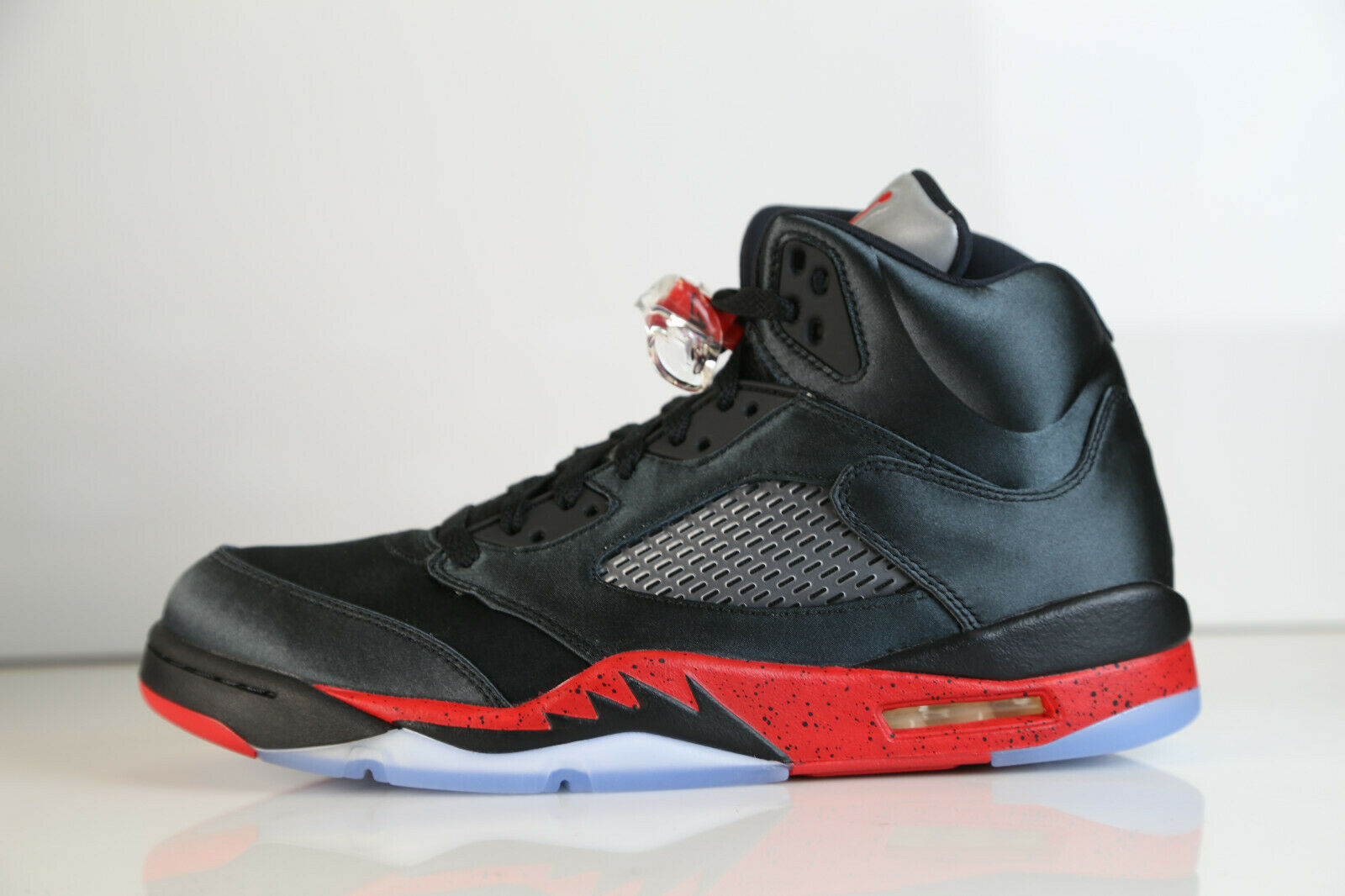 Nike Air Jordan Retro 5 Satin Bred Black University Red 136027-006 7.5-12