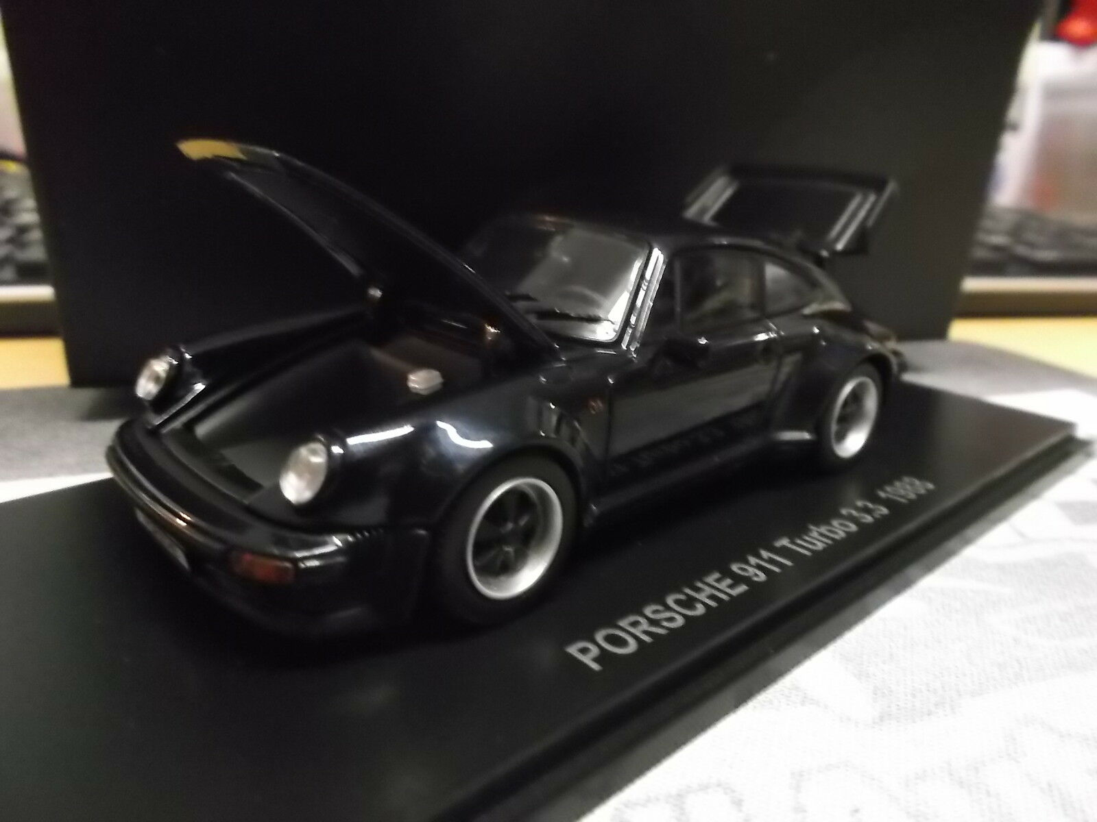 PORSCHE 911 Turbo 3.3 Blau dark blau G-Modell 930 Coupe Kyosho limited 1 43