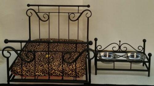 Custom Made Wrought Iron Dog//Cat Pet Bed /& Feeder Combo