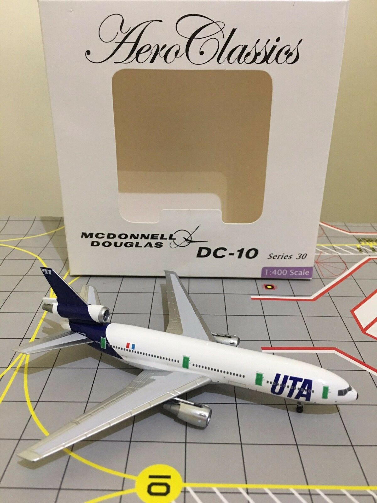 RARE Aeroklassics 1 400 UTA McDonnell Douglas DC -10 -30 F -BTDB
