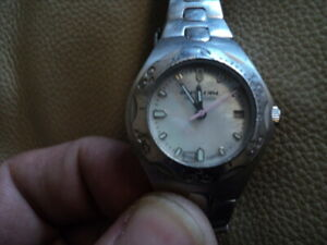 Ladies-Rip-curl-OCEAN-TECH-Mother-of-Pearl-Face-Quartz-watch-Silver-Working
