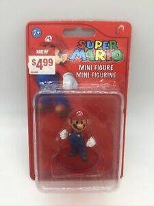 Super-Mario-Mini-Figure-Mario-2011-some-damage