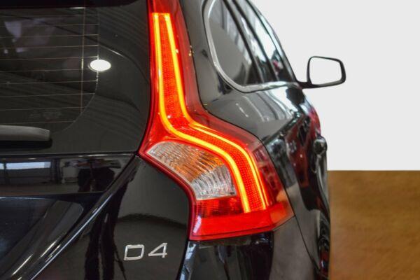 Volvo V60 2,0 D4 181 Momentum Drive-E Van - billede 3