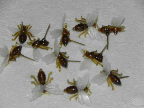 Biene,bee,bees 10 Kst-Bienen z Anstecken,Imker,Imkerei