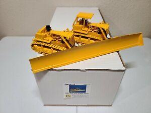 Caterpillar-Cat-D9G-SXS-Dozer-with-Angle-Blade-EMD-1-50-Model-N113-New