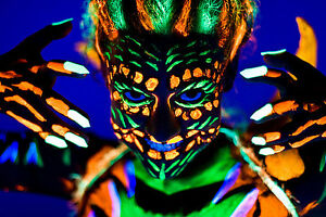 schwarzlicht bodypaint uv schminke neon k rpermalfarbe. Black Bedroom Furniture Sets. Home Design Ideas