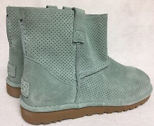 7151dfe68aa denmark ugg classic mini leather unlined boot 8.0 8f0ef 66974