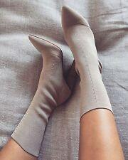 Yeezy Season 2 Low Knit Boots Gold Size EU 35.5 US 5.5 UK 2.5 NEW.