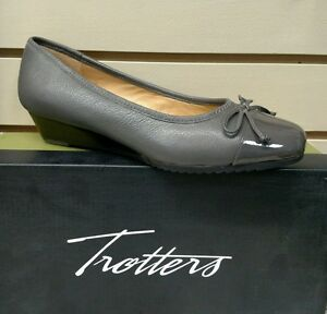 TROTTERS-LILLY-IN-GREY-LEATHER-COMFORTABLE-WEDGE-REG-130