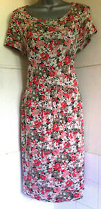 Cath-Kidston-Floral-Stretch-Jersey-Cap-Sleeve-Boat-Neck-Skater-Dress-pockets12
