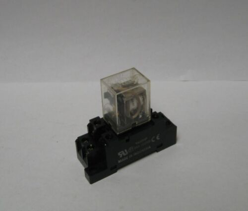 Used Warranty w//Base Unit Omron 8 Pin Relay LY1