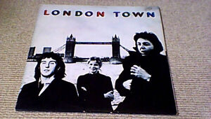 WINGS-LONDON-TOWN-1st-EMI-BRIGADIERS-SOUTH-AFRICA-LP-1978-w-INNER-GIANT-POSTER