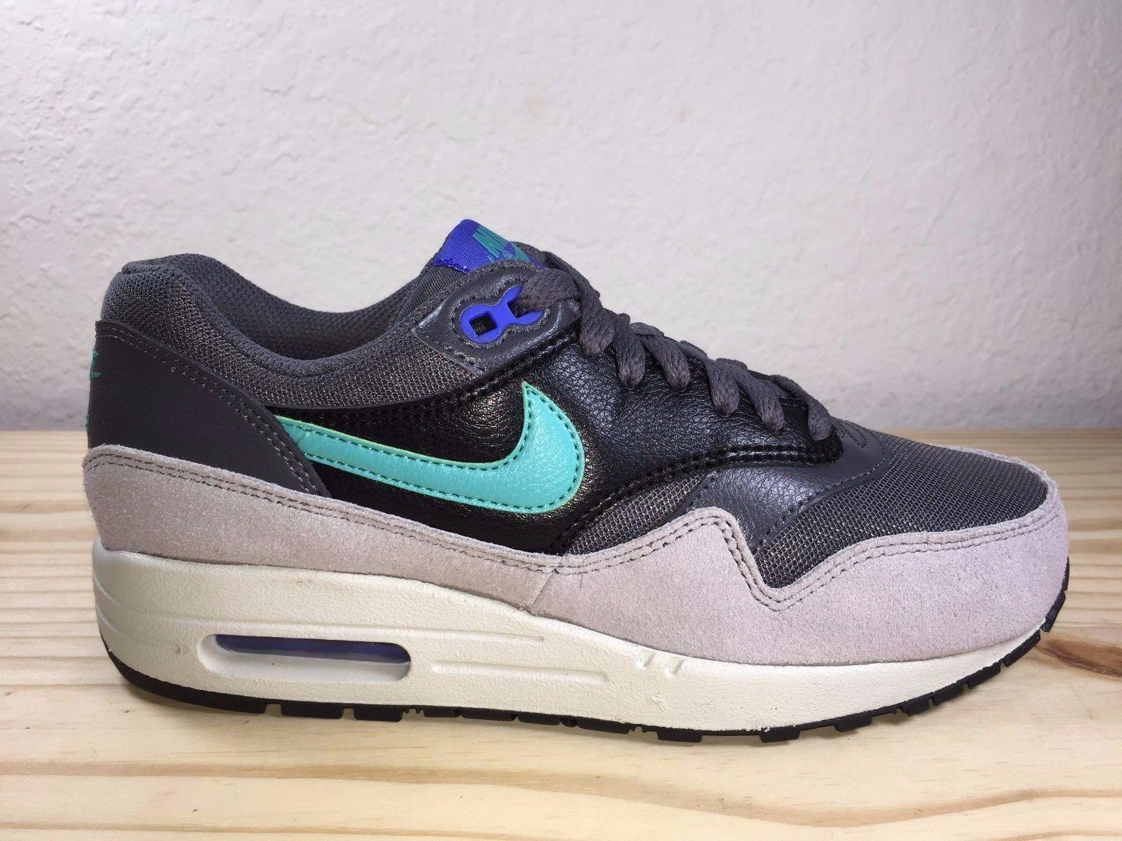 Nike WMNS AIR MAX 1 ESSENTIAL 599820-023 Dark  Gris /Hypr Femme chaussures