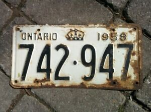 Vintage 1958 Ontario ON Canada Vehicle License Plate WHITE BLACK ~ POOR 742 947