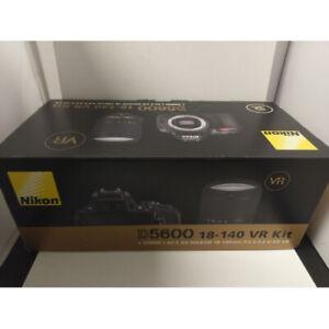 Nikon D5600 AF-S 18-140mm f/3.5-5.6G ED VR DX Multi Black Stock from EU nuovo