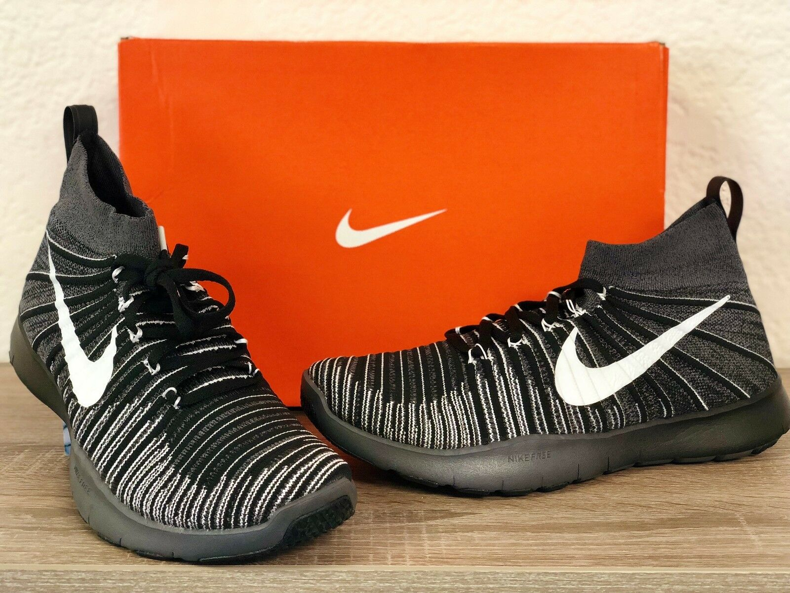 Mens Nike Free Train Force New Flyknit Sneakers Black/White 833275-017 Great discount