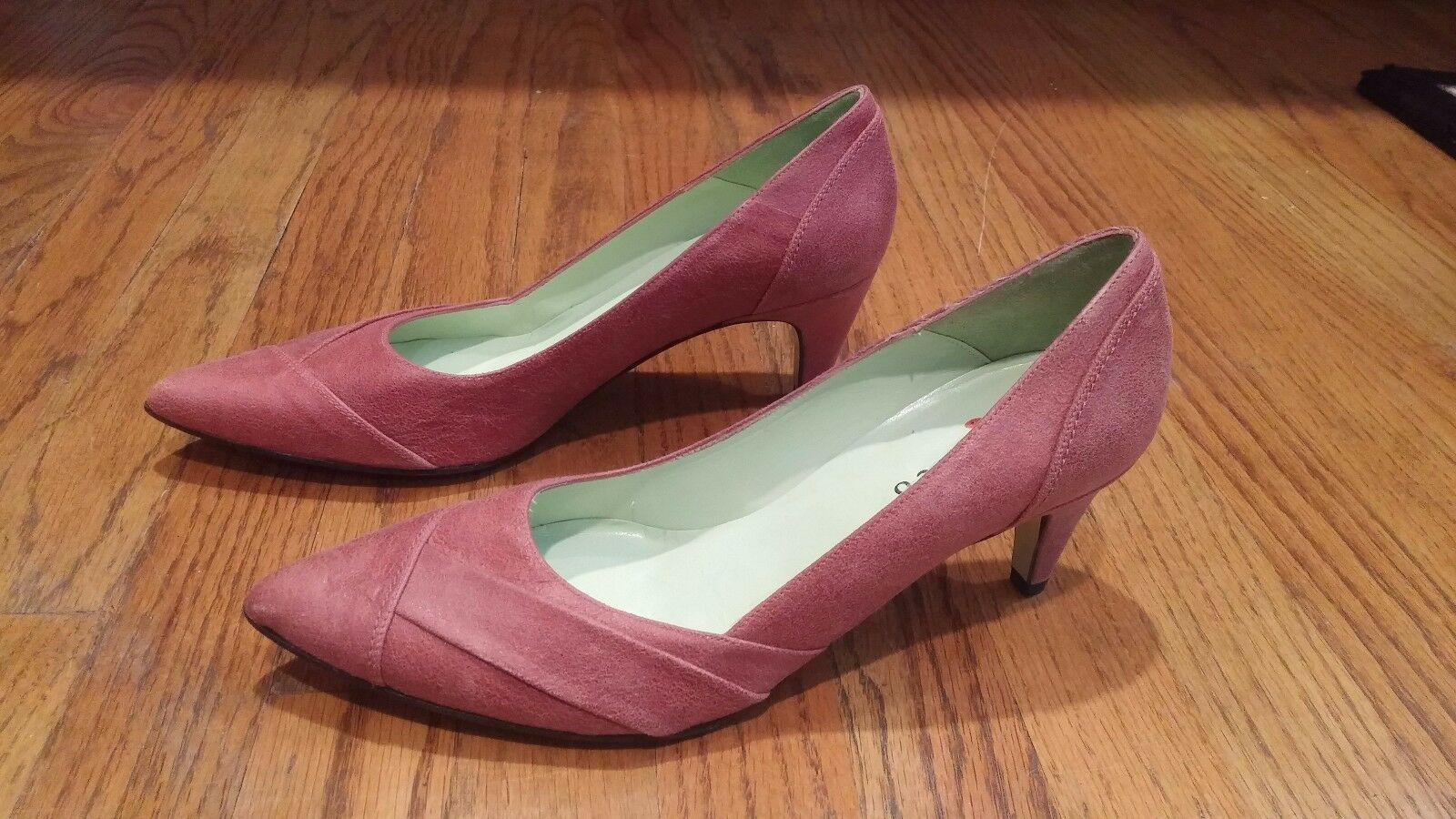NEW Coclico ITALY Suede Leather Rosa Kitten Low Heel schuhe 36 1 2 6.5