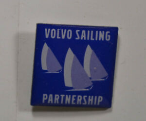 an2614 Diversifiziert In Der Verpackung Pin Badge 1,5 X 1,5 Cm Sailing Partnership Auto Volvo