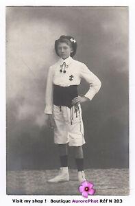 PHOTO-CARTE-POSTALE-1920-JEUNE-GARCON-AVEC-BERET-EN-TENUE-DE-SPORT-N203