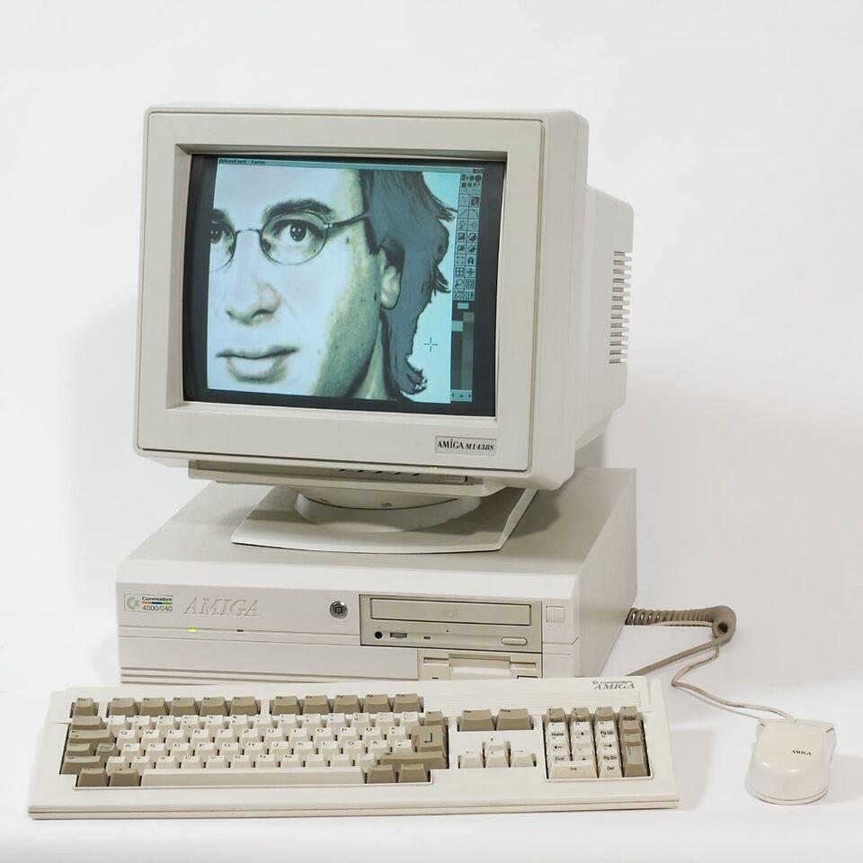 AMIGA og Commodore 64 KØBES, spillekonsol