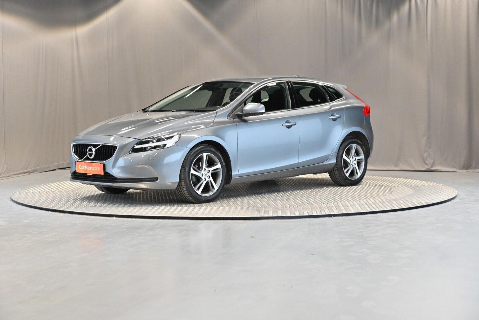 Volvo V40 2,0 D2 120 Momentum 5d - 189.900 kr.