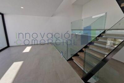 Zibatá, casa de 4 niveles nueva en renta