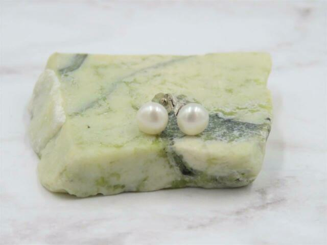 Sterling Silver 6mm White Cultured Freshwater Pearl Stud Earrings JTV