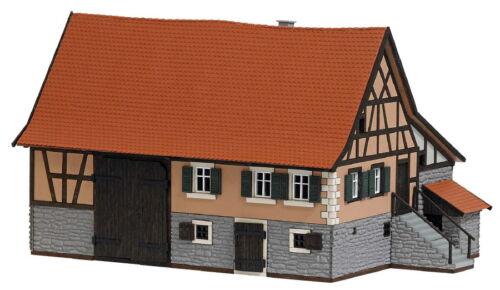 Busch 1504 Bauernhaus aus Schwarzenweiler Echt Holz NEU//OVP