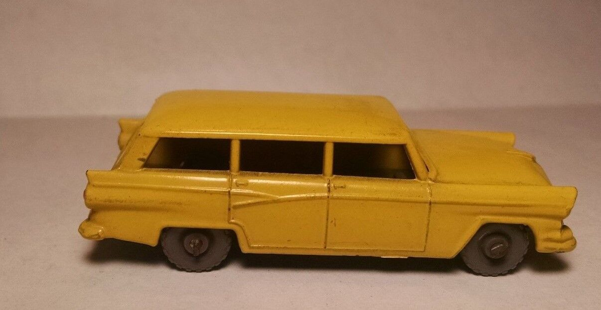 Matchbox Regular rueda 31 A Ford GPW 1957 Station Wagon