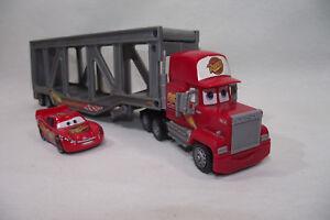 Camion-plateau-Mack-voiture-CARS-Lightning-McQueen-95-Rust-Eze-Disney-Pixar