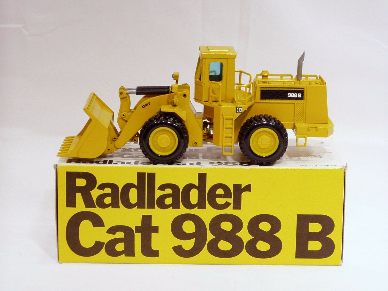 Caterpillar 988B chargeuse-O C-B S - 1 50 - NZG  167 - N. Comme neuf IN BOX