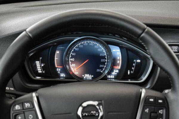 Volvo V40 CC 2,0 D3 150 Momentum aut. billede 9