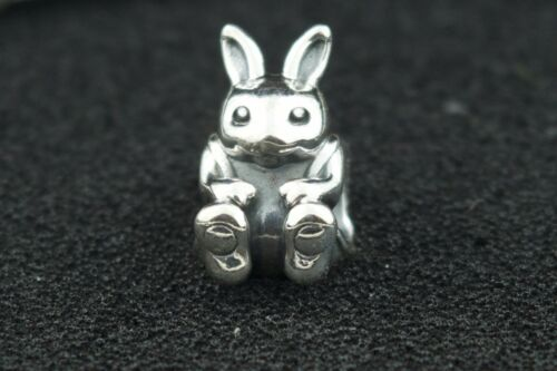 TSY.66.237.BAY Peter Cotton Tail Puffy Easter Bunny Rabbit Vintage Sterling 925 Silver Pendant